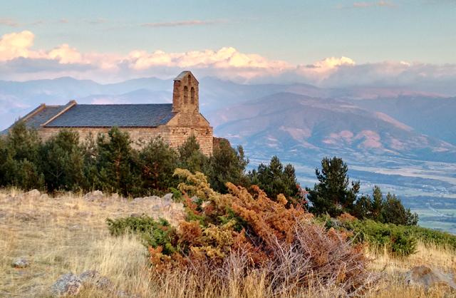 Ermita punt d'observació del paisatge de la Cerdanya